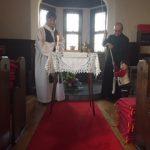 礼拝開始の鐘の音が響き渡ります。