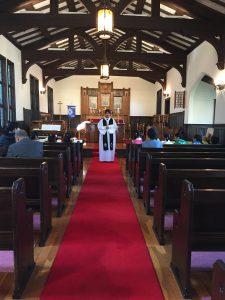 今日はたくさんのお友だちと一緒に聖ルカ教会のお誕生日のお祈りをしました。